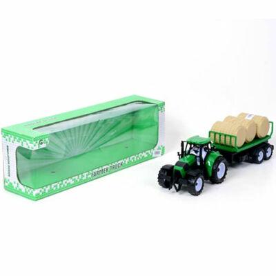Farm traktor pótkocsival és szénabálával