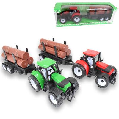 Farm traktor pótkocsival és rönkfával