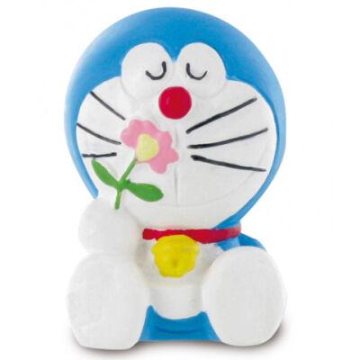 Doraemon virággal játékfigura